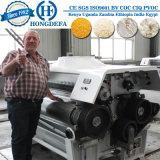 Het graan knarst de Bloem van de Maaltijd van de Maïs Makend Machine van de Molen van de Fabriek de Malende