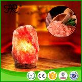 Natürliche Himalajafelsen-Kristall-Salz-Lampe mit hölzerner Unterseite