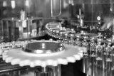 chaîne de production Laver-Séchage-Remplissante-Stoppling liquide de la fiole 180bpm pour pharmaceutique
