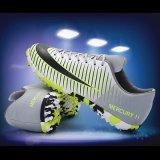 Buoni caricamenti del sistema di gioco del calcio di prezzi di fabbrica del pattino di calcio di vendita di migliore qualità per gli uomini fatti in Cina