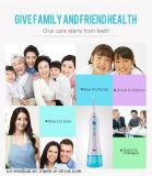 Waterjet orale dentale tenuto in mano per uso della famiglia