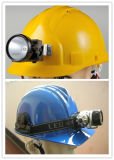 Le travail en plastique recouvre le casque de sûreté avec le CERT de l'éclairage LED FM