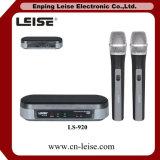 Ls-920 het Dubbel van de Microfoon van de Karaoke van de goede Kwaliteit kanaliseert UHF Draadloze Microfoon