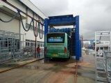 Автоматическое моющее машинаа тележки для того чтобы повезти проекты на автобусе мытья