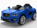 Conduite modèle neuve de gosses de RC sur le véhicule