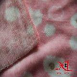 A flanela escovada o poliéster 100% conserva barato e morno para o fundamento/roupa