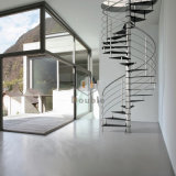 内部か屋内のための木の螺旋階段