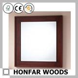 Frame de madeira contínuo quadrado antigo do espelho de Brown