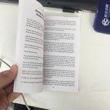 종이표지 책, 까만 원본, 1장의 색깔 인쇄