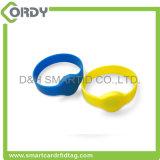 braccialetto di vigilanza astuto del silicone NFC di 13.56MHz F08 per controllo di accesso