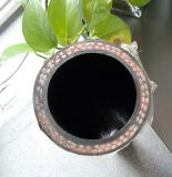 Betonverdichter-Gummischlauch-Außendurchmesser. Ist 24mm und Identifikation. Ist 13mm