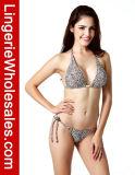 Verlockende Dame-zweiteilige Bikini-Leopard-Druckhalter-Badebekleidung