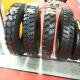 La configuración es el nuevo neumático 8.25 R16 que el neumático especial R16 a de los neumáticos 8.25 del carro emprende