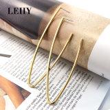 Eenvoudige de V-vorm van de Juwelen van de Legering van de gouden-Kleur van de manier bengelt Daling Earrings