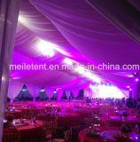 300 mensen die de Markttenten van de Bevloering van de Tent van de Ceremonie van het Huwelijk voor Verkoop voeren