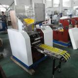 Palha plástica da colher que faz a máquina