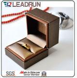 Contenitore di regalo di cuoio dell'imballaggio dei monili della casella di memoria dei monili dell'unità di elaborazione per gli orecchini dei doppi anelli dell'anello (YS378A)