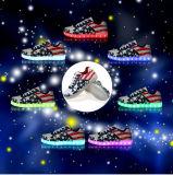 La mayoría de los zapatos ocasionales planos de la manera LED de la Navidad con la iluminación de 11 modos