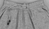 포켓을%s 가진 여자의 캐시미어 천에 의하여 뜨개질을 하는 바지