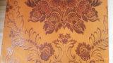 El papel colorido hizo frente al azulejo del techo del yeso