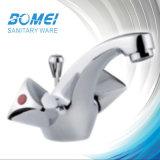 二重ハンドルの洗面台の水栓(BM57708)