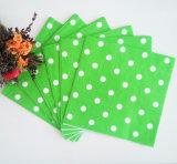 Serviette de papier de vente chaude colorée verte de POINT de polka pour l'hôtel