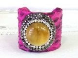 L'anello naturale del cuoio della pietra della pietra preziosa di modo squilla la decorazione dei monili