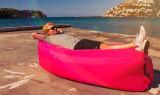 キャンプのハイキングの水泳のためのLamzac新しく膨脹可能なLaybagを容易運びなさい