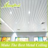 Buen precio en forma de C de aluminio industrial panel de tira de techo