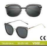 Neues Entwurfs-Form-Metall polarisierte Sonnenbrillen mit Qualität (104-A)