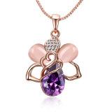 ローズの金の吊り下げ式の水晶ネックレスのガラスPendnatの女の子のネックレス