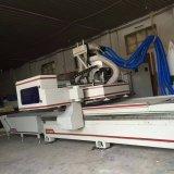 Holzbearbeitung-Stich, der CNC-Fräser-Maschine mit doppelten Worktables schnitzt