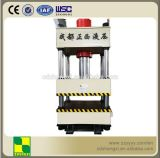 Funzionamento della pressa idraulica con la colonna quattro