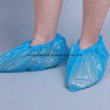 Cubierta antideslizante impermeable del zapato del PE del CPE que hace la máquina
