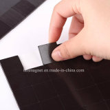 Grands dos flexibles d'aimant avec l'adhésif - chaque 20X20X2mm