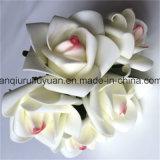 Le decorazioni di festa con i fiori artificiali