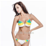 Heißer reizvoller weißer Bikinibandeau-mit Blumenbikini für Damen