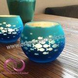 青い魚が付いている素晴らしい電気版のガラス蝋燭ホールダーの蝋燭のコップ