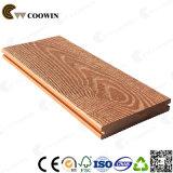 il grano di legno 3D di 150X25mm si è sporto Decking composito di plastica