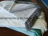 フリンジが付いている編まれた純粋な綿のヘリンボン投球