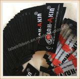 A dobra dos tipos de Customed afia etiquetas tecidas vestuário para a roupa