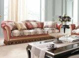 Sofà di lusso classico con goccia della decorazione