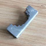 部分を押すアンテナ台紙の管クランプ