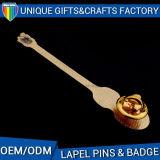 品質の昇進のギフトのためのカスタム金属の折りえりPin