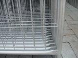 一時構築の塀は2100mm x 2400mmの幅As4687-2007にパネルをはめる