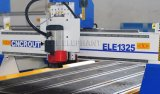 Porta de madeira profissional que faz o router do CNC, elefante azul dos routeres do CNC, maquinaria 1325 do CNC com roda de mão