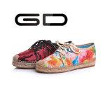 La mujer linda de Outsole del cáñamo del cuadro de la impresión de la flor ata para arriba los zapatos ocasionales