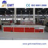 Producción plástica del perfil de la tira del lacre del PVC que saca haciendo la línea de la máquina