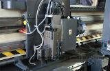 Feuille V de plaque métallique de commande numérique par ordinateur cannelant la machine