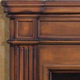 Cornija de lareira cinzelada da chaminé da madeira contínua do estilo antiguidade européia (GSP14-004)